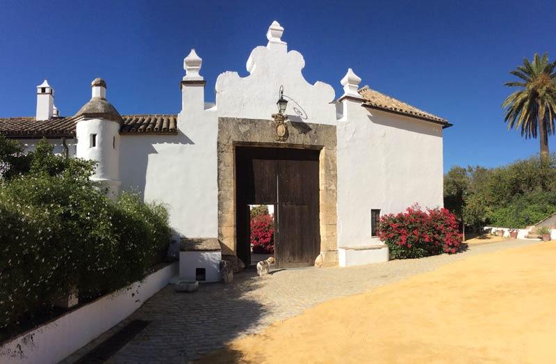 Poort van trouwlocatie Fain Viejo in Spanje