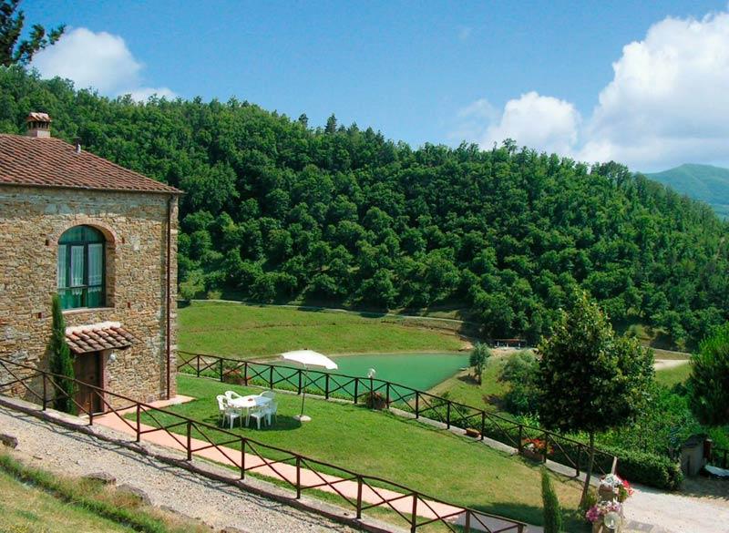 Uitzicht trouwlocatie Fattoria il Lago Toscane