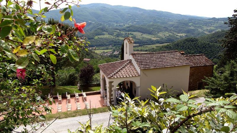 Kapel trouwlocatie Fattoria il Lago in Toscane