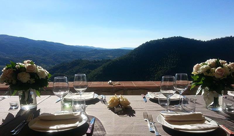 Diner met uitzicht trouwlocatie Toscane