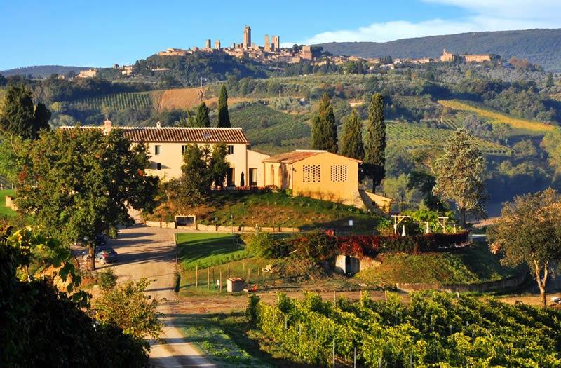 Trouwlocatie Lucciolaia met uitzicht op San Gimignano