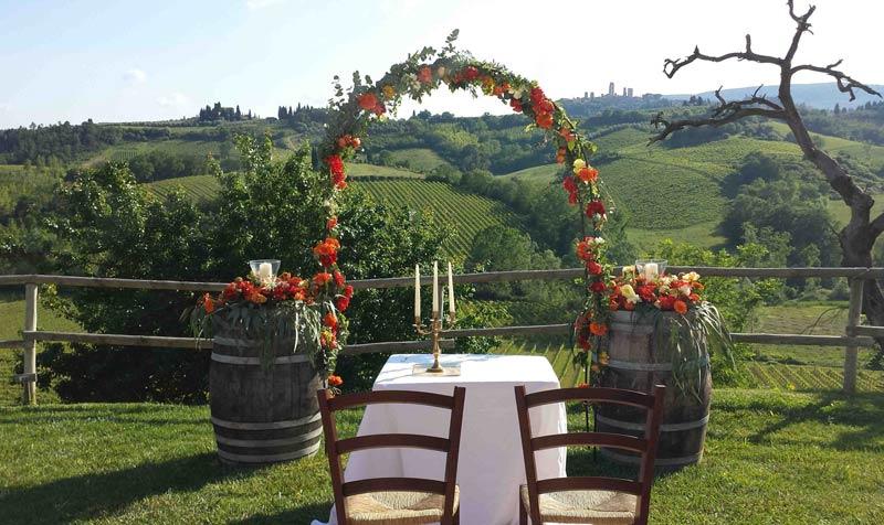 Ceremoniesetting trouwen in Italië met uitzicht