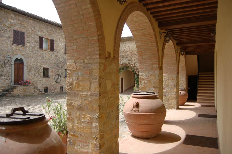 Authentieke binnenplaats trouwlocatie Quercia al Poggio in Italië