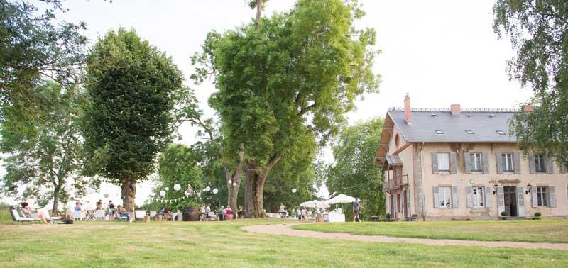 Bruiloft bij trouwlocatie Domaine de Savigny in Frankrijk