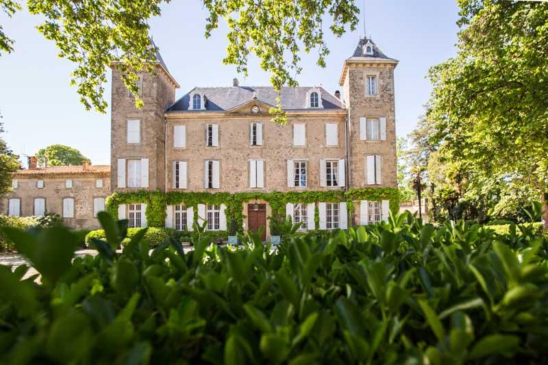 Voorkant trouwlocatie Chateau de Blomac in Frankrijk
