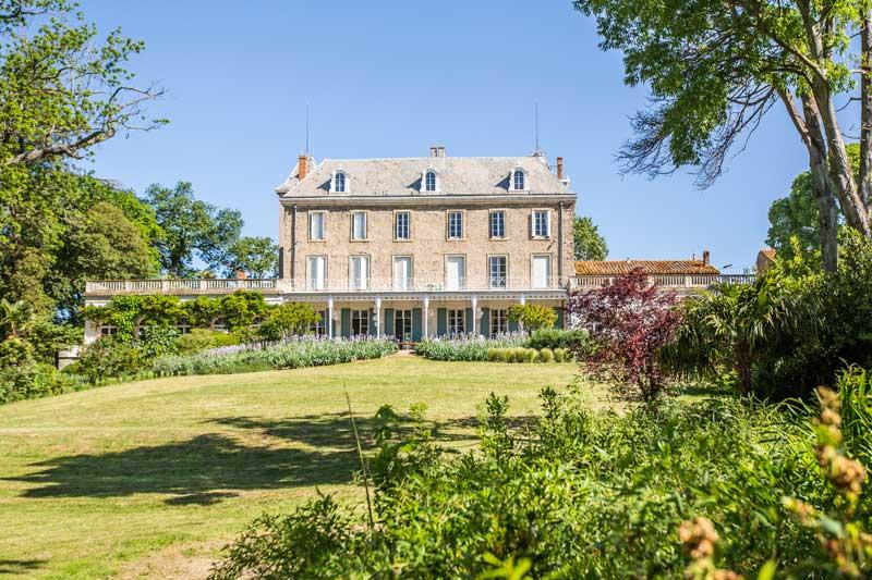 Tuin van trouwlocatie Chateau de Blomac in Frankrijk