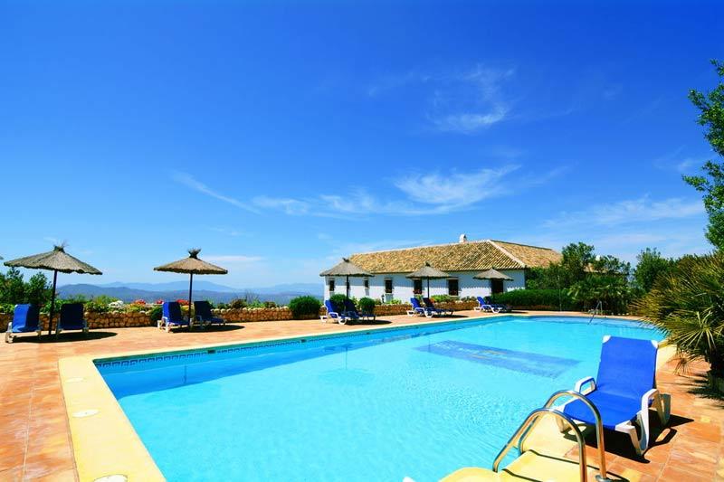 Zwembad van trouwlocatie Hotel Fuente del Sol in Spanje