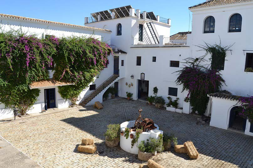 Binnenplaats trouwlocatie Cortijo El Esparragal in Spanje