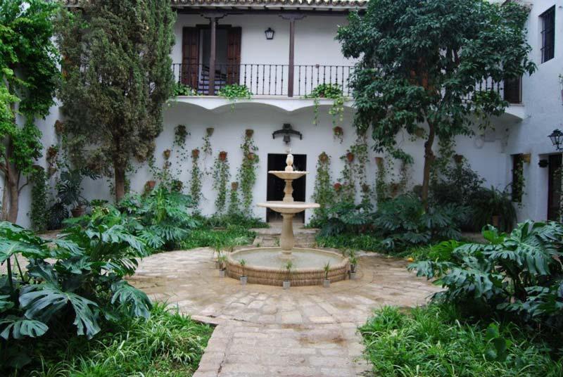Binnenplaats Cortijo El Esparragal in Andalusie