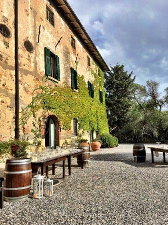 Terras van trouwlocatie Tenuta Mocajo in Toscane