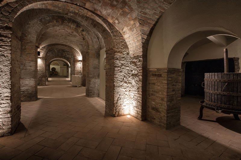 Wijnkelders van trouwlocatie Tenuta Mocajo in Italie