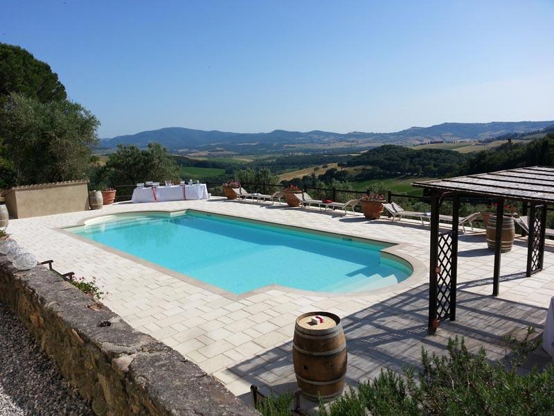 Zwembad trouwlocatie Tenuta Mocajo in Italië