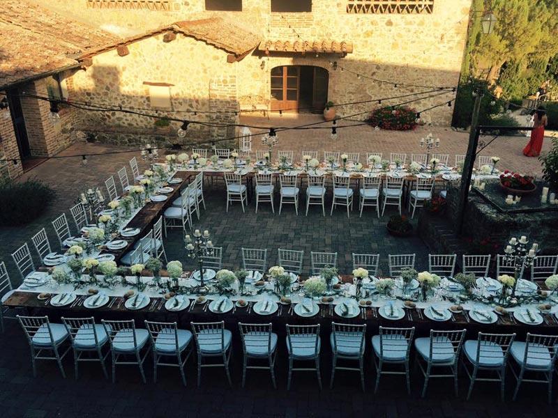 Dinertafel Tenuta di Papena trouwlocatie in Italie