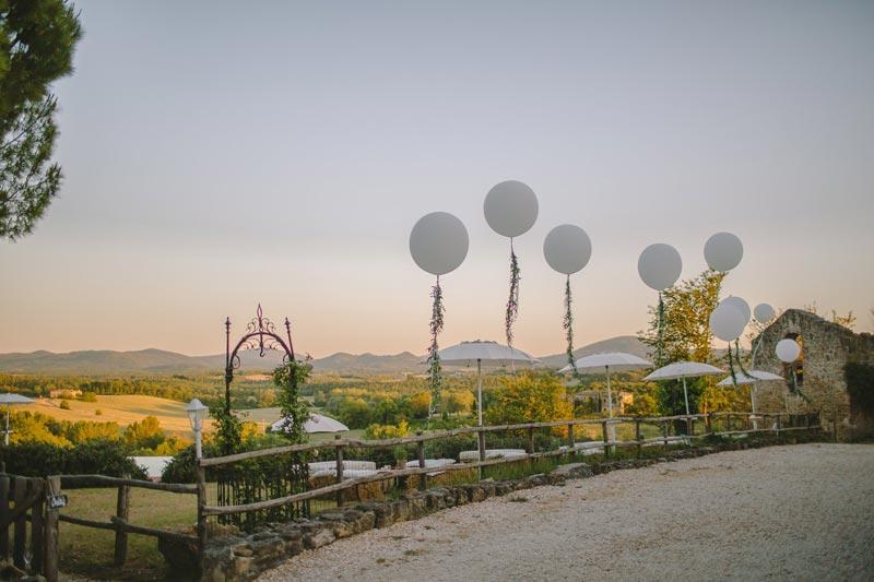 Bruiloft decoratie trouwlocatie Tenuta di Papena in Italie