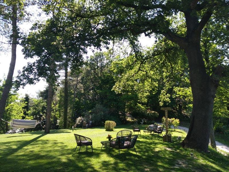 Tuin van trouwlocatie villa Marsi in Italie