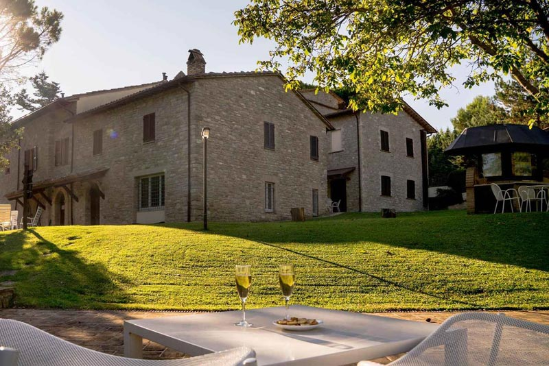De villa trouwlocatie Villamena in Italie