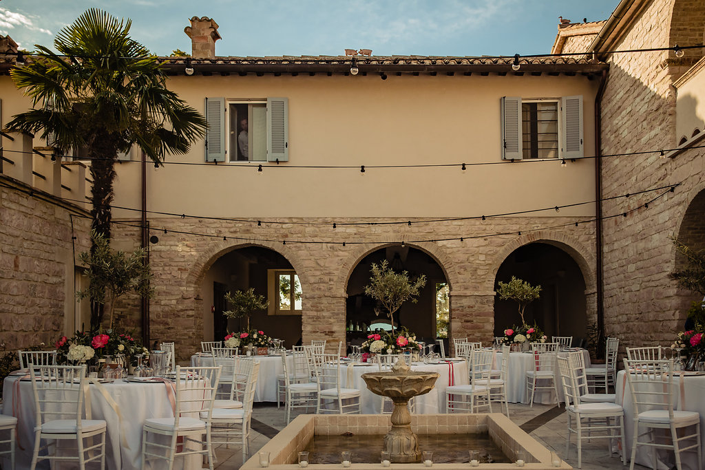 Dinersetting trouwlocatie Le Stonghe Italie